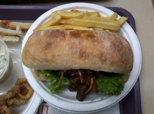 Sandwich de lomo saltado